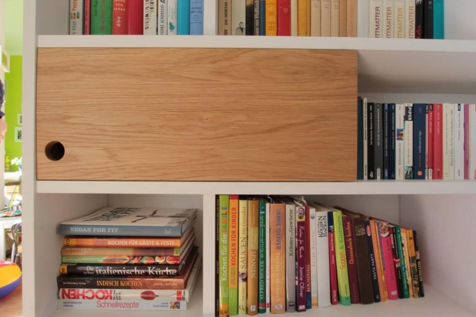 b cherregal mit schiebet ren aus eiche dein tischler in. Black Bedroom Furniture Sets. Home Design Ideas