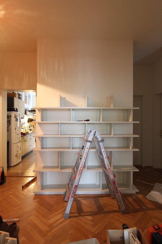 Bücherregal im Flur mit Schiebetüren  dein Tischler in  ~ Bücherregal Flur