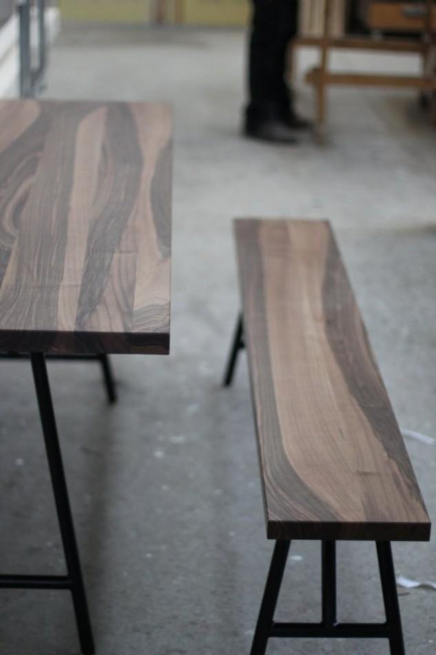 esstisch mit bank aus nussbaum dein tischler in leipzig dein tischler in leipzig. Black Bedroom Furniture Sets. Home Design Ideas