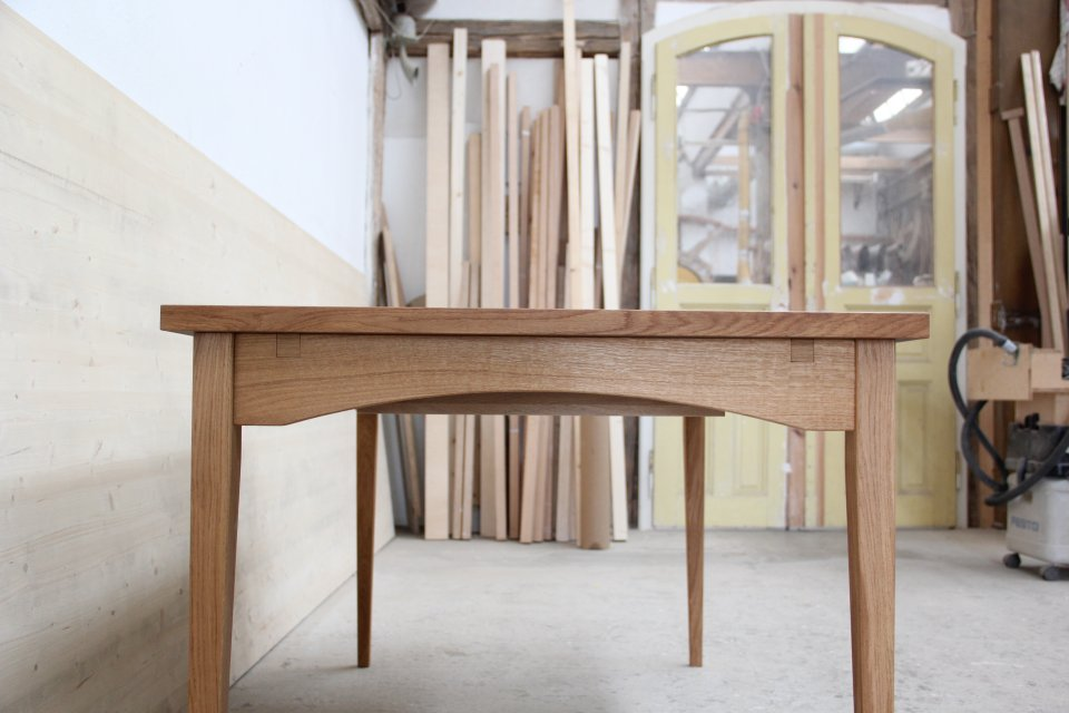 esstisch zum ausziehen aus eiche mit linoleum dein. Black Bedroom Furniture Sets. Home Design Ideas