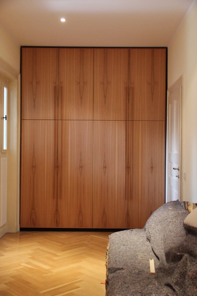 einbauschrank im flur aus r ster dein tischler in leipzig dein tischler in leipzig. Black Bedroom Furniture Sets. Home Design Ideas