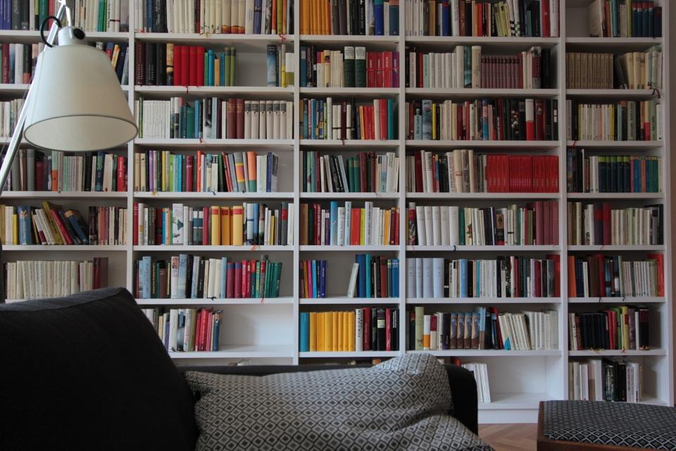 Bücherregal weiß  Bücherregal weiß - dein Tischler in Leipzig dein Tischler in Leipzig