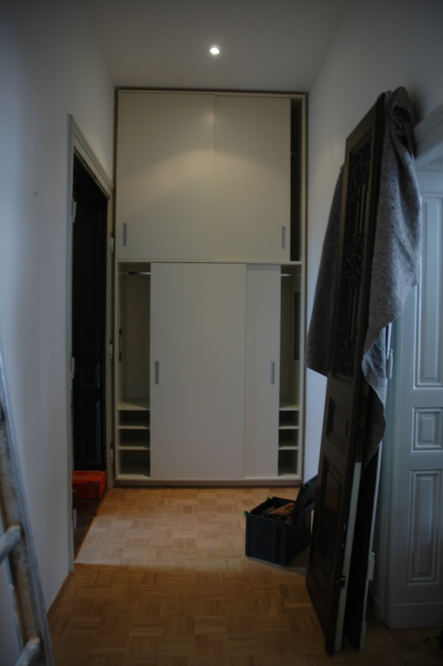 einbauschrank flur dein tischler in leipzig dein tischler in leipzig. Black Bedroom Furniture Sets. Home Design Ideas