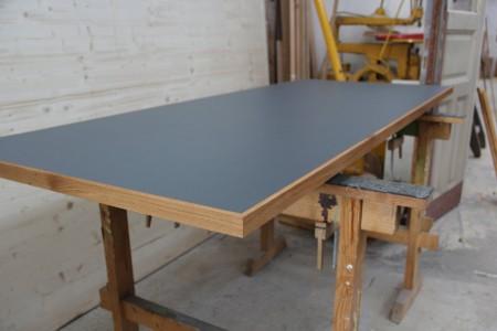 Lino Tischplatte mit Anleimer